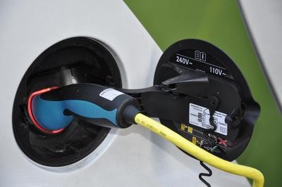 """Startschuss für E-Mobility-Projekt """"Tanken an der Laterne"""""""