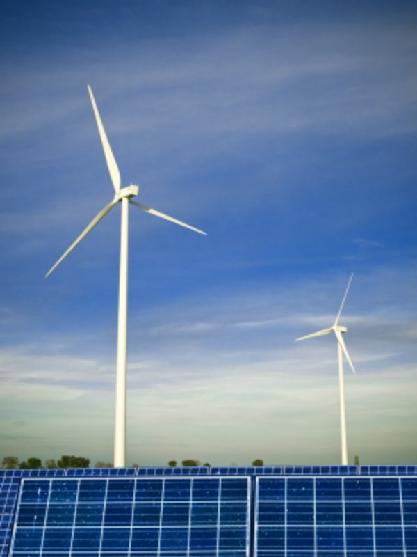 Windrad und Photovoltaik